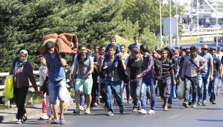 ЕС перераспределит 40 тысяч беженцев из Греции и Италии