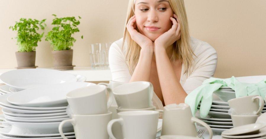 Почему в чужом доме нельзя мыть посуду
