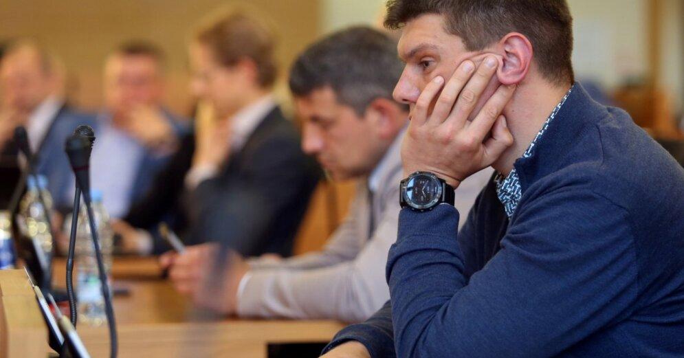 """Оппозиция Думы выразит недоверие новому мэру """"для интереса"""""""