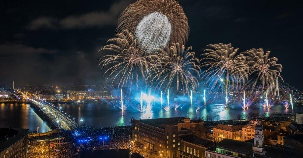 В центре Риги Новый год встретили 60 тыс. человек