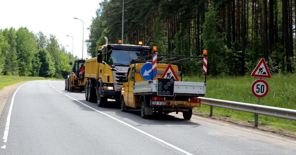 На 1000 км региональных автодорог установят светоотражающие сигнальные столбики