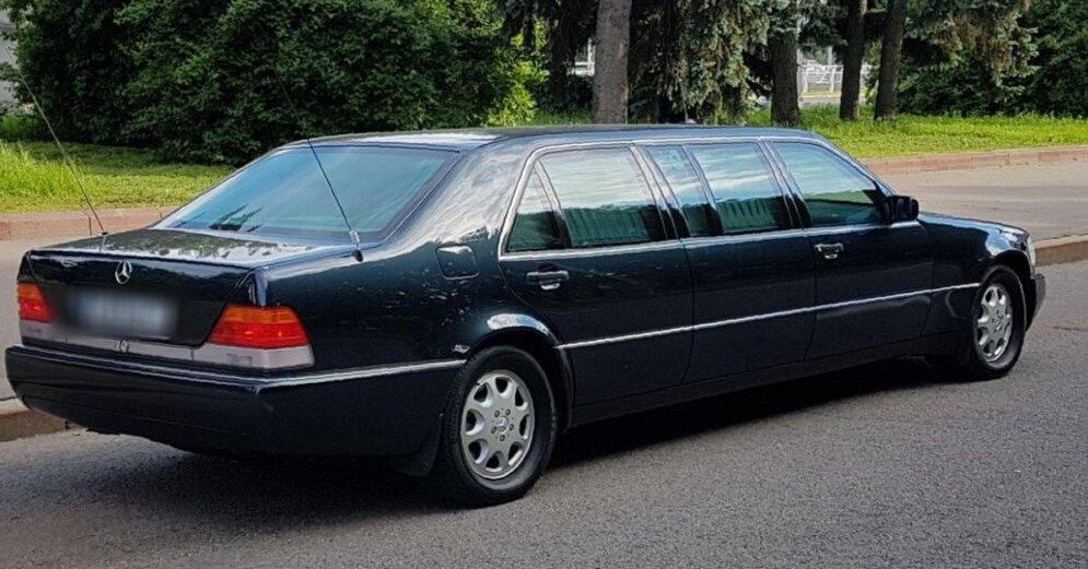Лимузин Ельцина продан в Петербурге за 19,7 млн рублей
