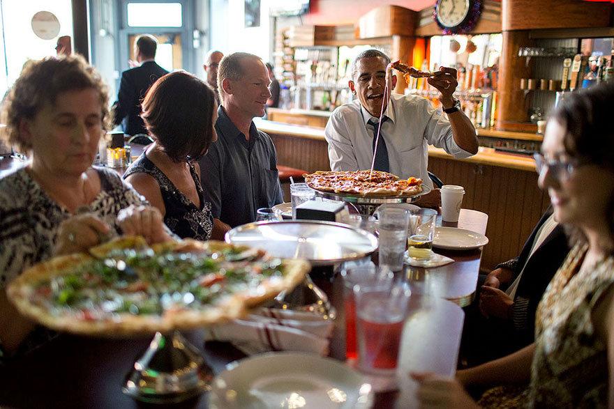 """Пропаганда с человеческим лицом: как создавался образ """"народного"""" Барака Обамы."""