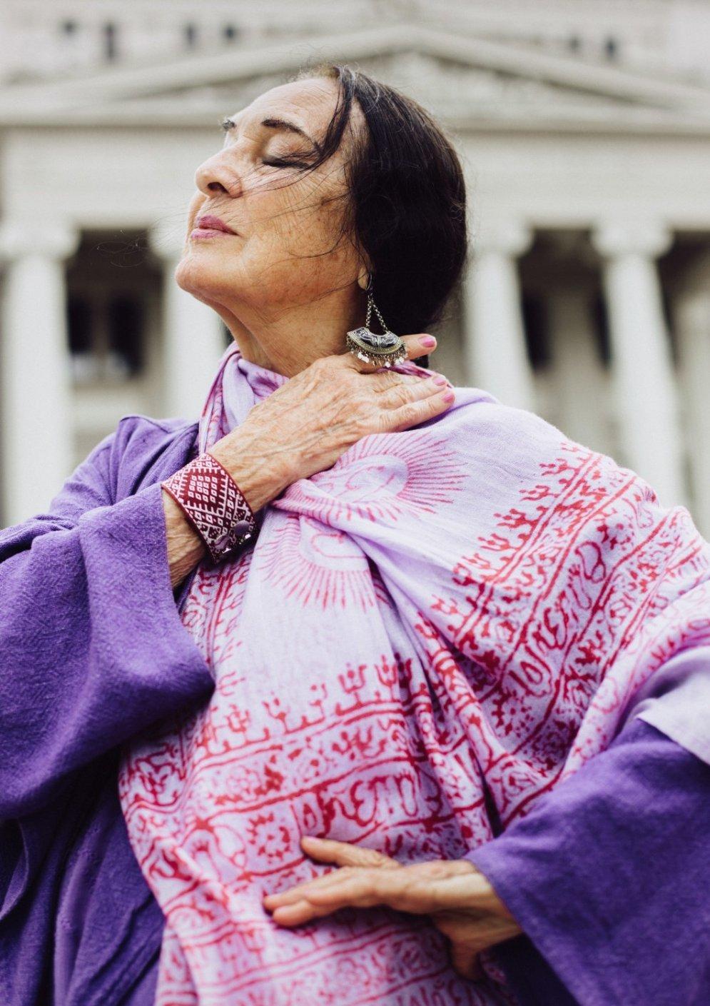 Skaistumam nav vecuma: Latvijā populāras dāmas skaistos foto