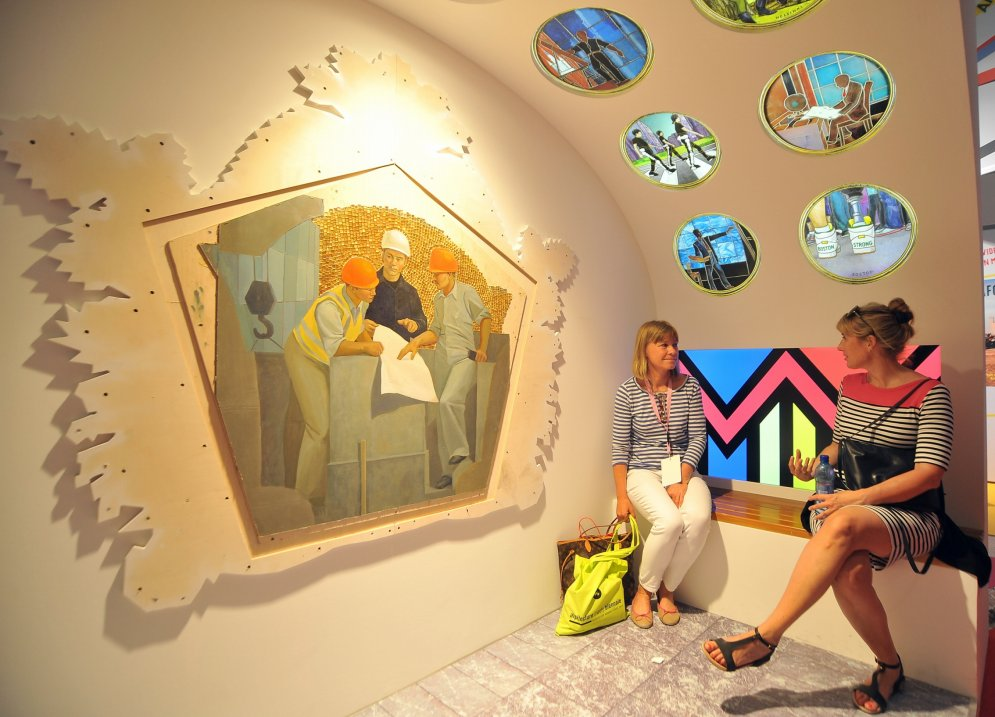 """Микрокосмос """"гаражных самоделкиных"""". Что Латвия везет на биеннале в Венецию"""