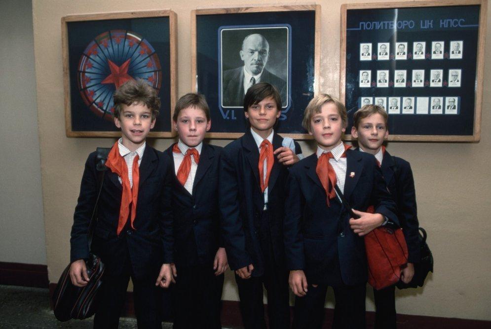 Kā latviešu bērni pirmo septembri sagaidīja padomju laikā