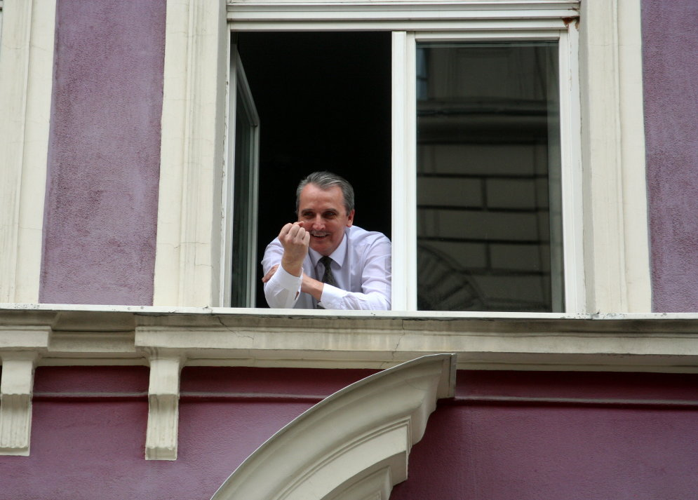 Kad Latvijas politiķi saka, ko domā: rupji žesti, 'muļķu zeme' un citi draņķīgi piemēri