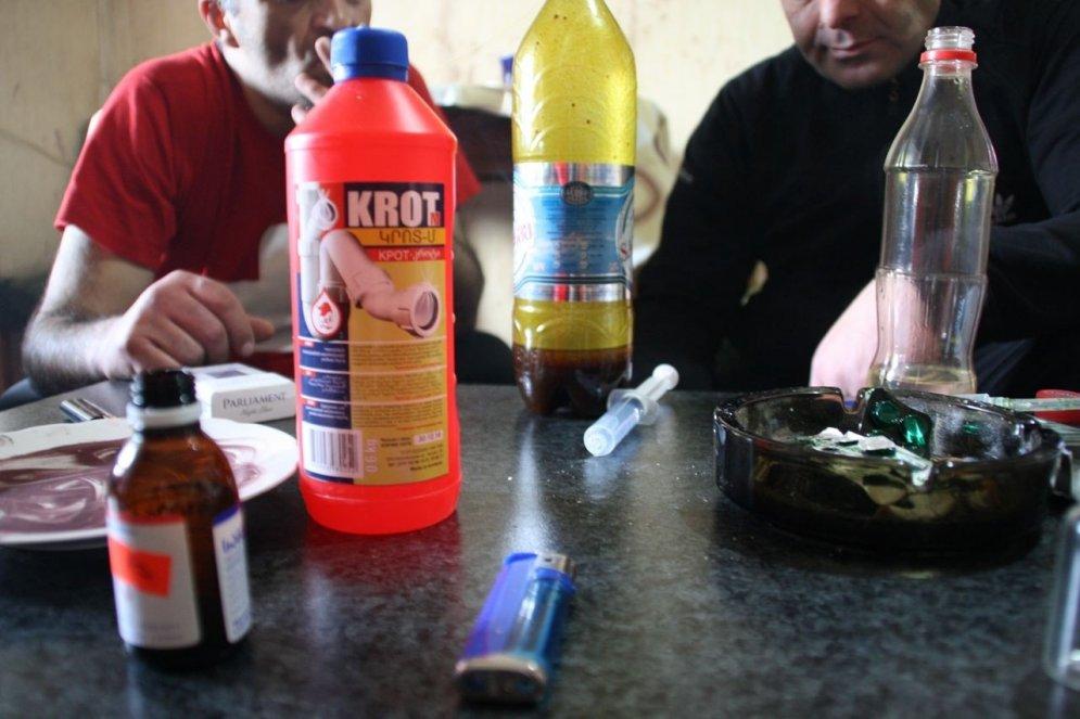Jauna tipa narkotika: kā dzīvo 'krokodila' lietotāji Gruzijā