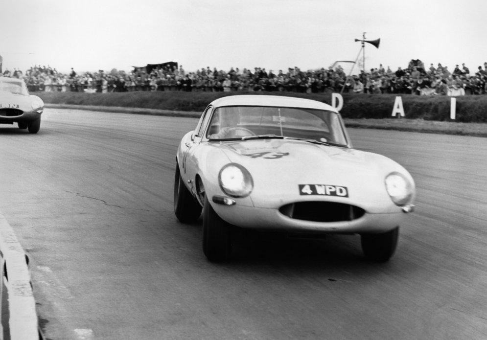 """Jaguar построит шесть """"пропавших"""" Lightweight E-type"""