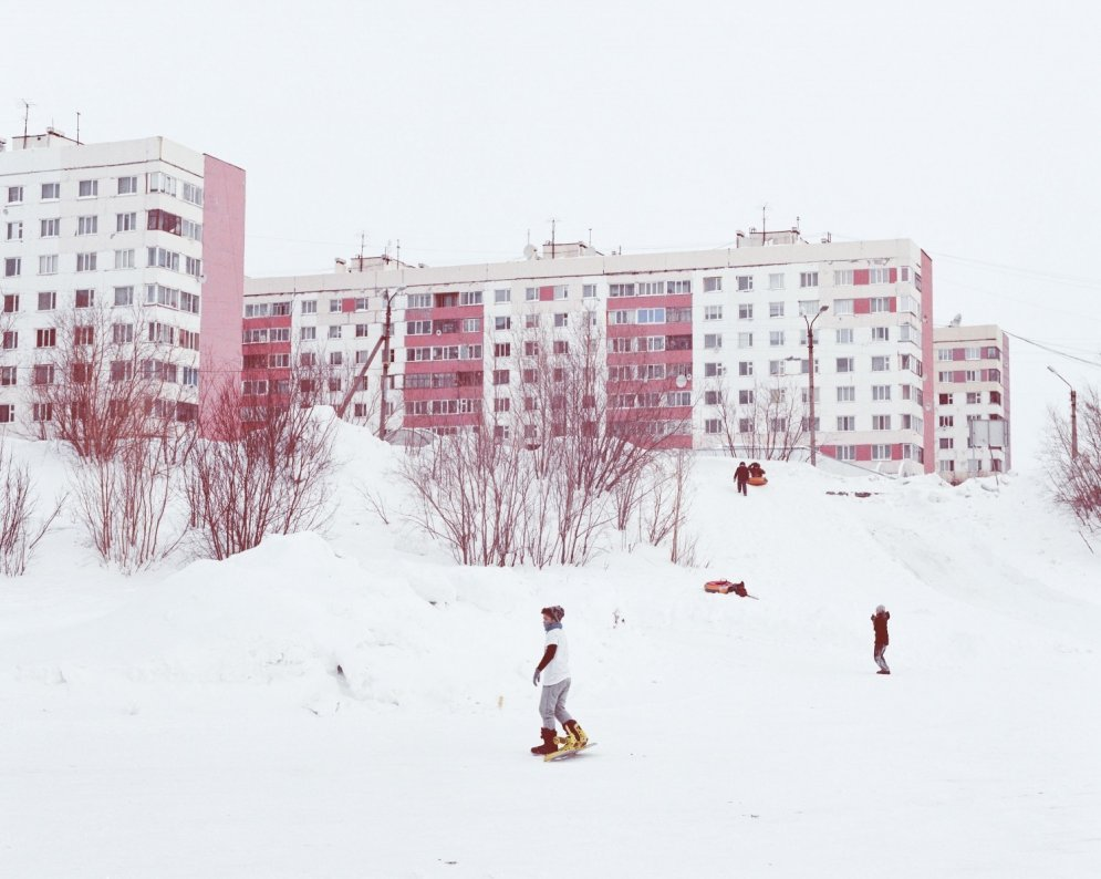 Novijurengoja: Krāsainas mājas, priecīgi cilvēki un mūžīgs sasalums