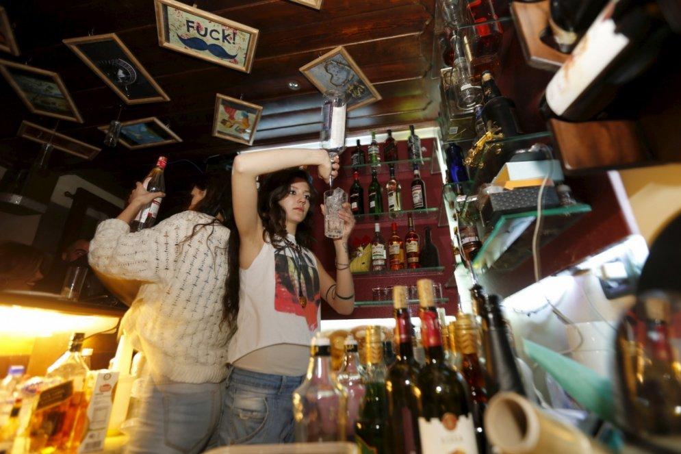 Sīrijas jaunieši ballējas tā, it kā rītdienas nebūtu